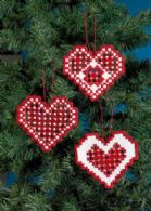 Hardanger hearts red